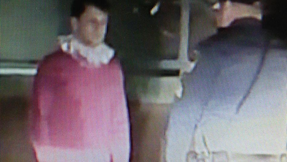 Mann in Elfenkostüm: Betrunken von der Polizei aufgegriffen