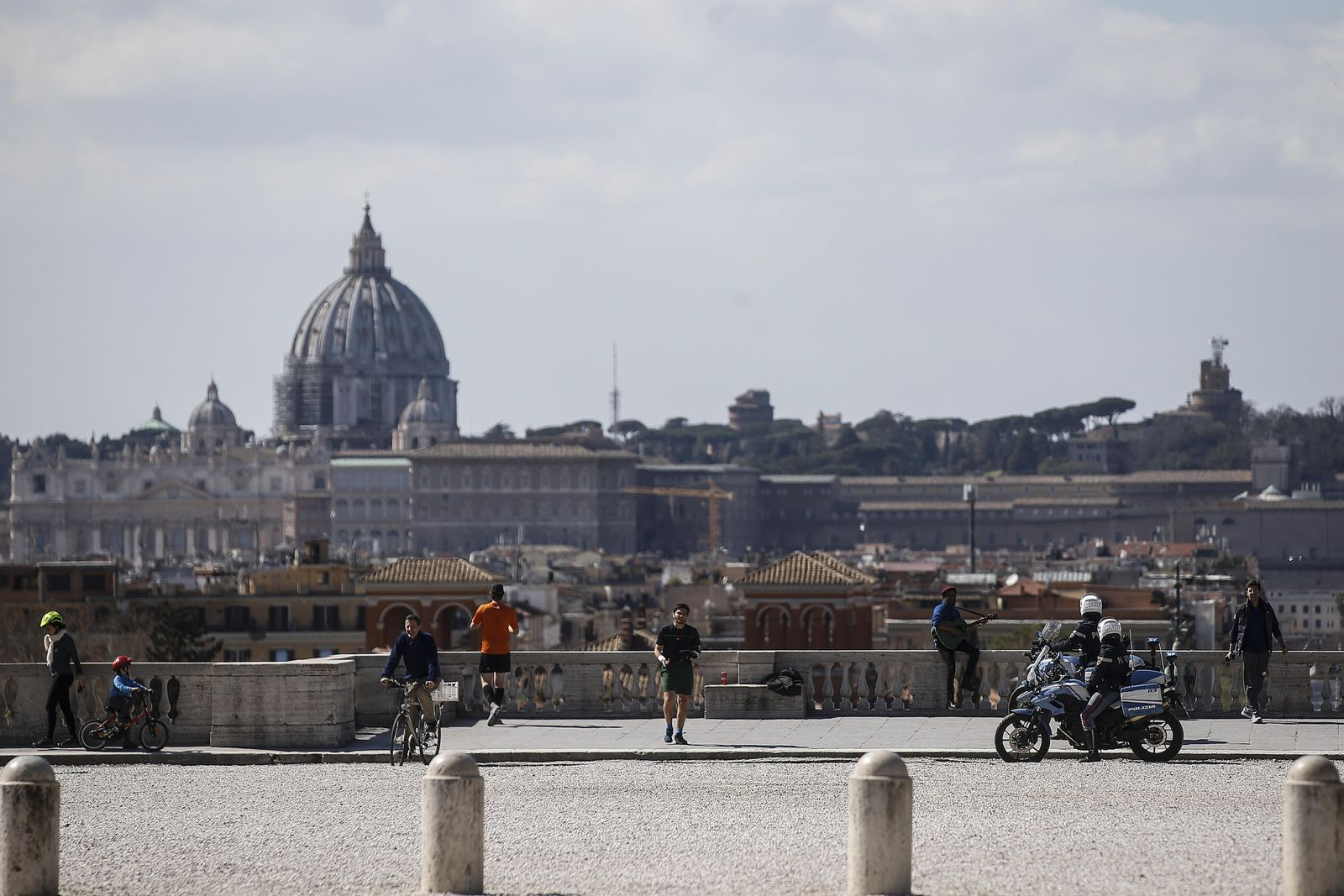 Coronavirus - First sunday in Rome after restrictions, Italy - 15 Mar 2020