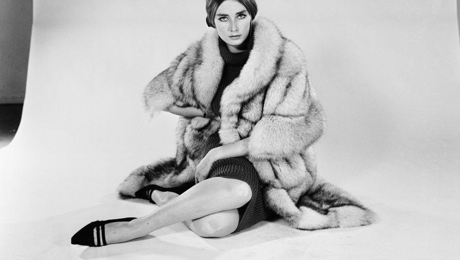 Tania Mallet (1964)