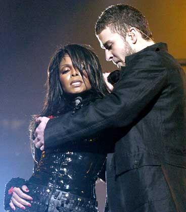 Da war noch alles züchtig: Justin Timberlake greift nach Janets Brust...