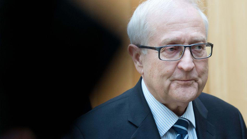 """FDP-Fraktionschef Brüderle nach der Frühstücksrunde: """"No Comment"""""""
