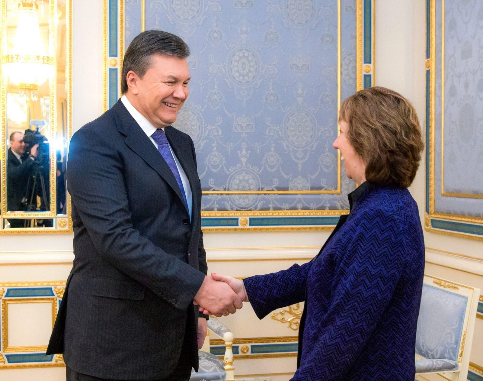 EU Ashton meets Yanukovich