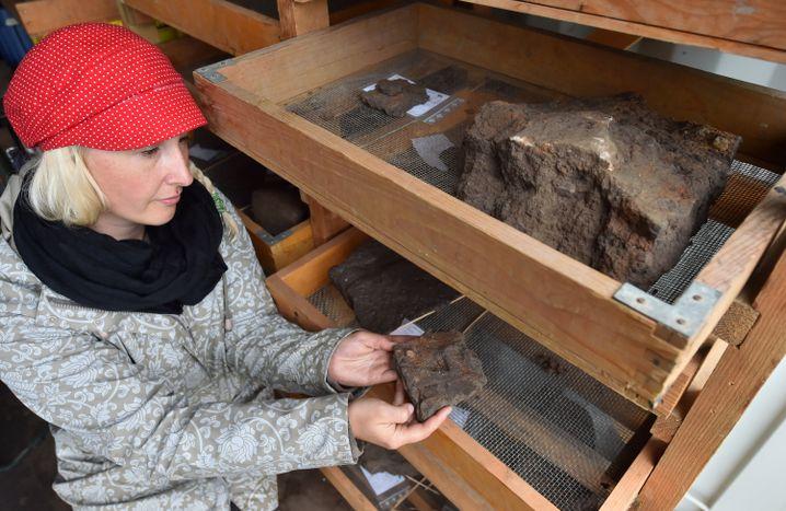 Funde aus dem bei Dieskau entdeckten Grab