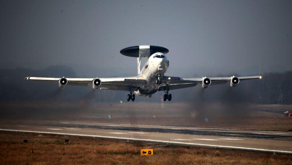 """Aufklärungsflugzeug der Nato (Archivbild): """"Ohne Wenn und Aber solidarisch"""""""