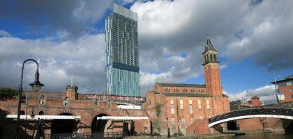 Beetham Tower in Manchester: 168,87-Meter-Koloss in historischer Kulisse