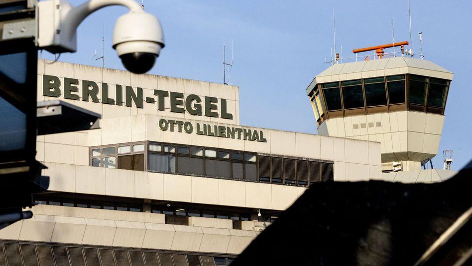 Die deutsch-irakische Familie landete am Flughafen Berlin Tegel