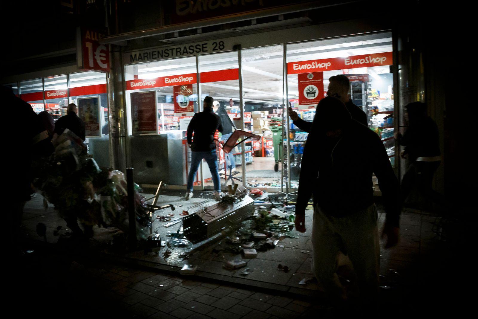 Randale und Plünderungen in Stuttgart