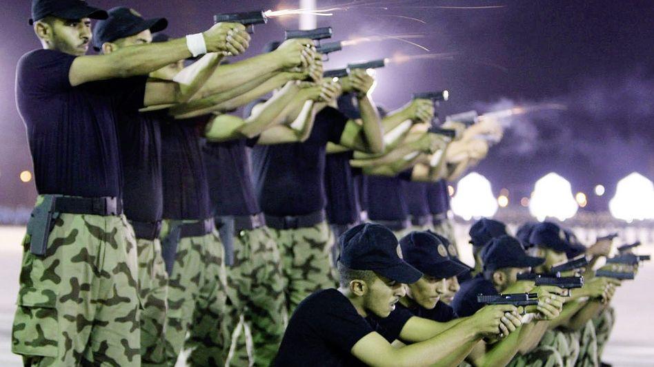 Saudi-arabische Polizisten in Riad