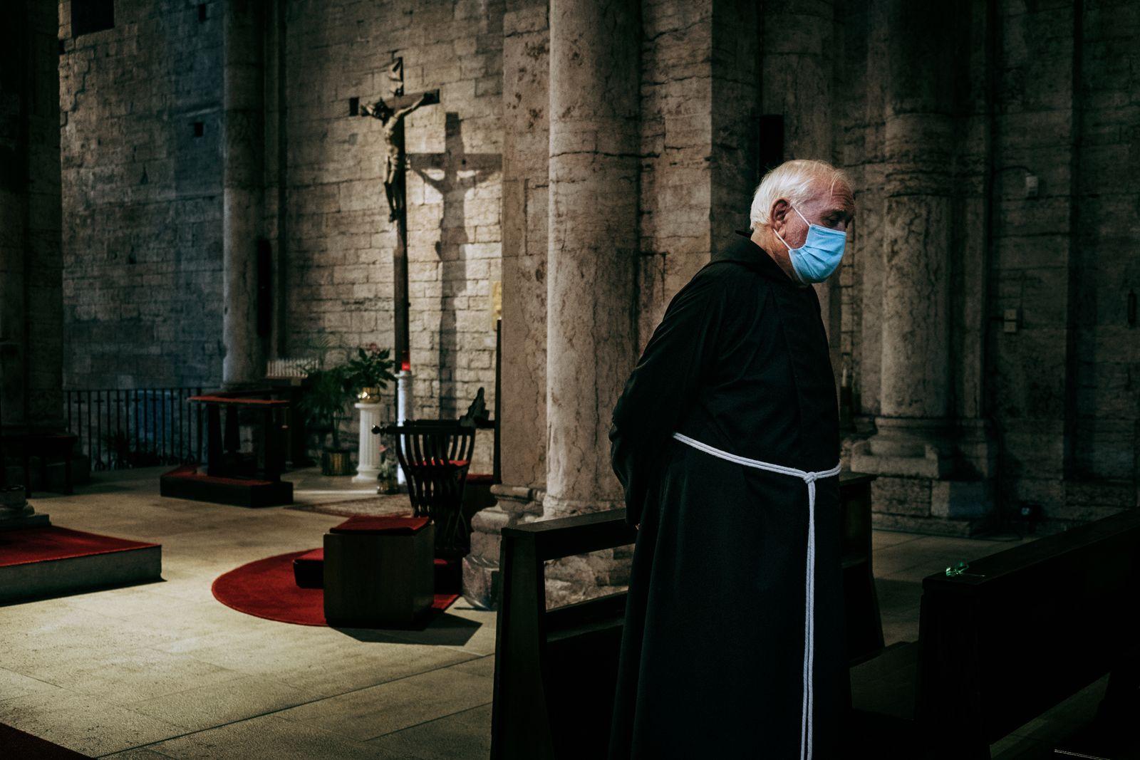 Covid_Monasteries_010