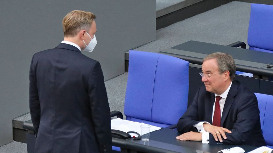 FDP-Chef Christian Lindner, NRW-Ministerpräsidenten Armin Laschet (am 7. September im Bundestag): Enges Vertrauensverhältnis