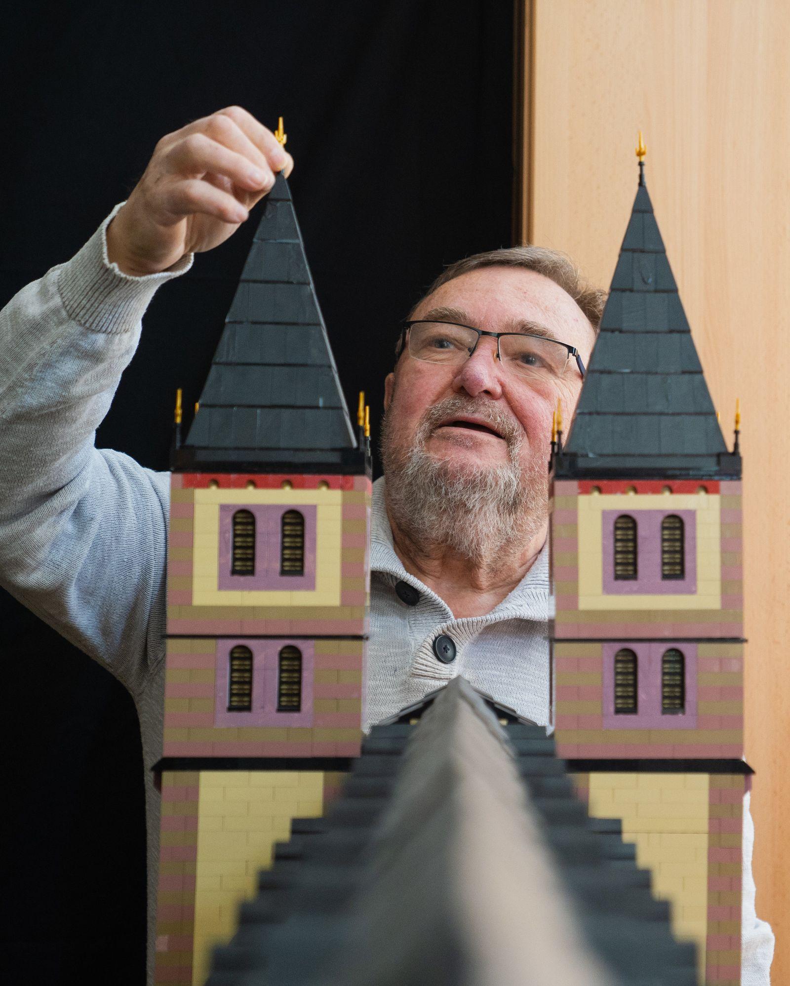 Tüftler baut Würzburger Dom aus Lego-Steinen