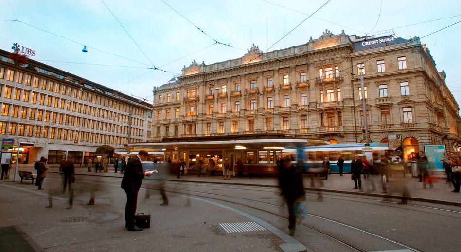 UBS (l.) und Credit Suisse in Zürich: Einigung im Steuerstreit
