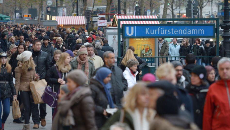 Tauentzienstraße in Berlin: Niedriglohngruppen profitierten besonders