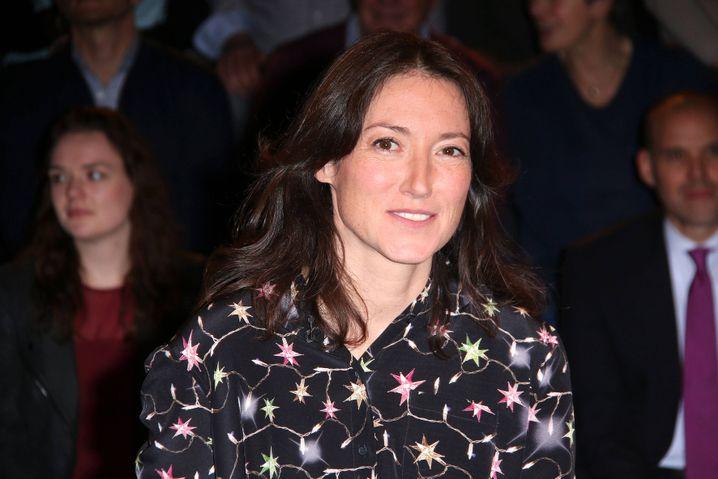 Charlotte Roche sagt, Gebard Henke habe sie in der Öffentlichkeit betatscht