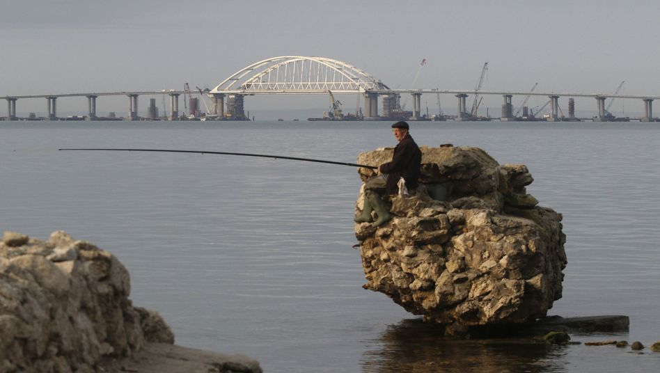 Brücke zwischen Kertsch auf der Krim-Halbinsel und dem russischen Festland