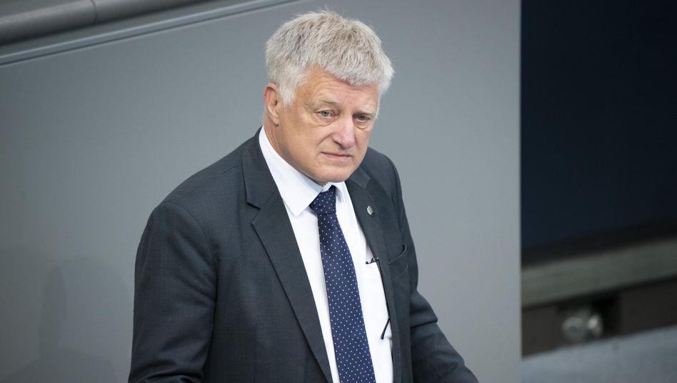 """AfD-Politiker Ulrich Oehme (im Mai 2020 im Bundestag): """"Angenehm überrascht"""" über die """"bestens organisierte"""" Wahl"""