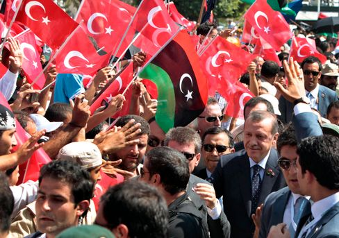 Der türkische Präsident Erdogan 2011 zu Besuch in der libyschen Hauptstadt Tripolis
