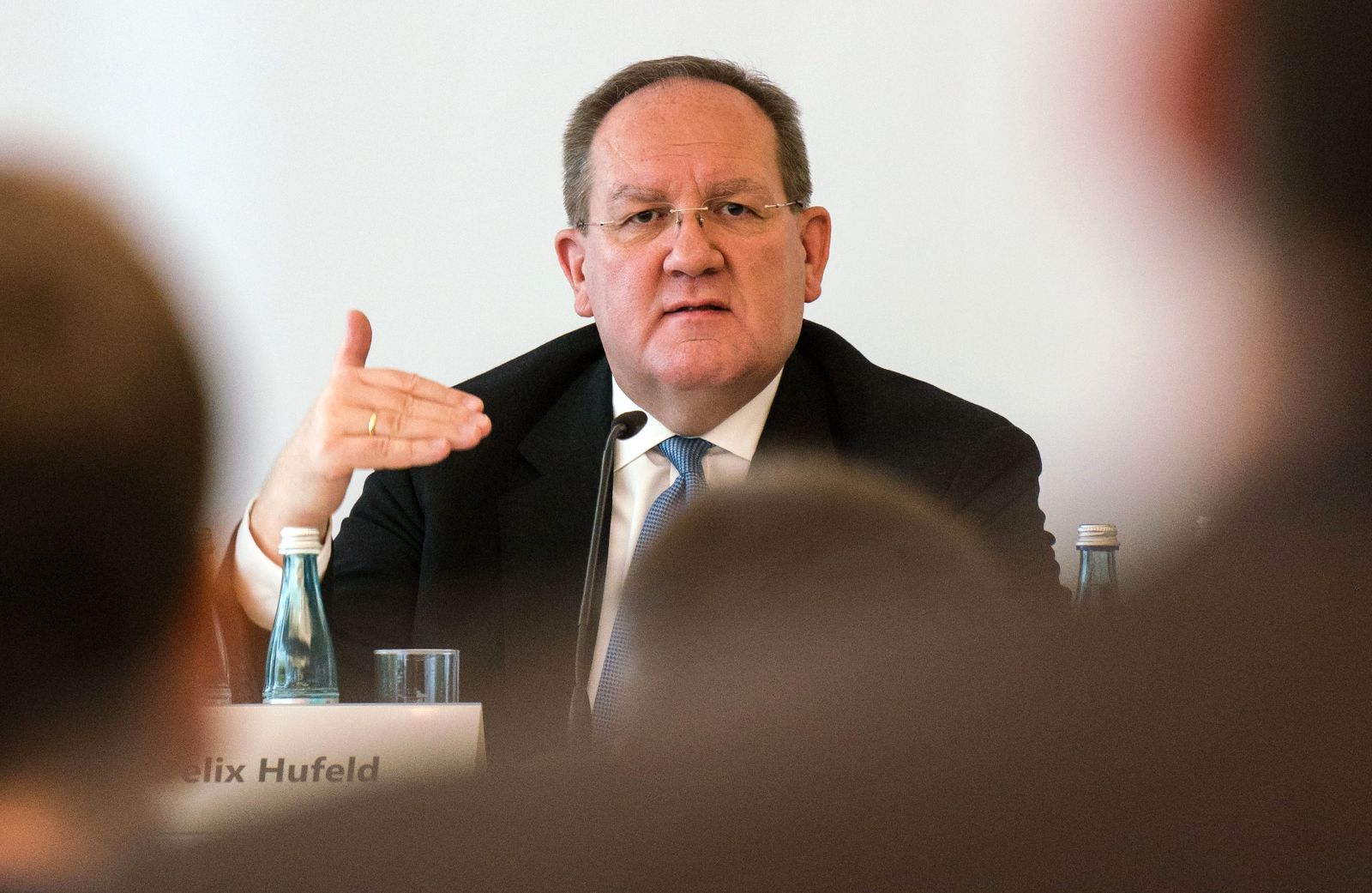 Bafin-Chef Hufeld weist Vorwürfe im Wirecard-Skandal zurück