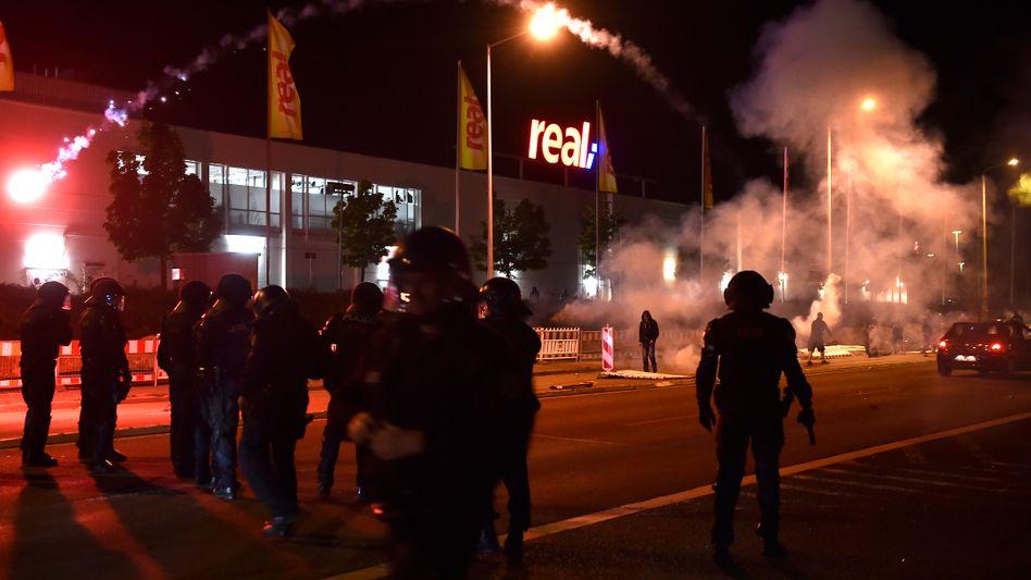 Rechtsextreme Krawalle in Heidenau (am 22. August): Bundesanwaltschaft prüft