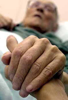 Passive Sterbehilfe: Künftig keine Strafen mehr für den Verzicht auf lebensverlängernde Maßnahmen bei Todkranken