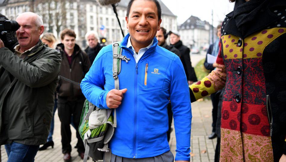 Saúl Luciano Lliuya vor dem Landgericht Essen