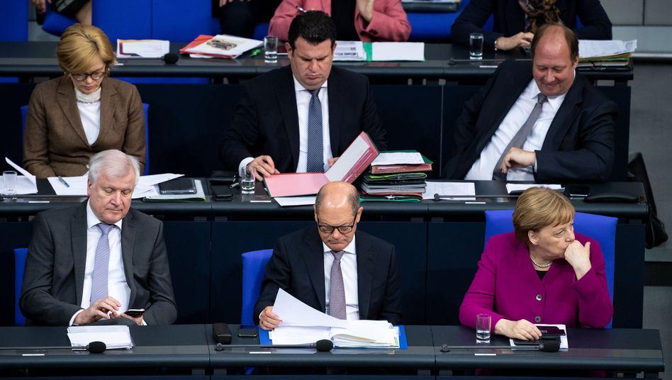 Seehofer, Scholz, Merkel: Regieren für Fortgeschrittene