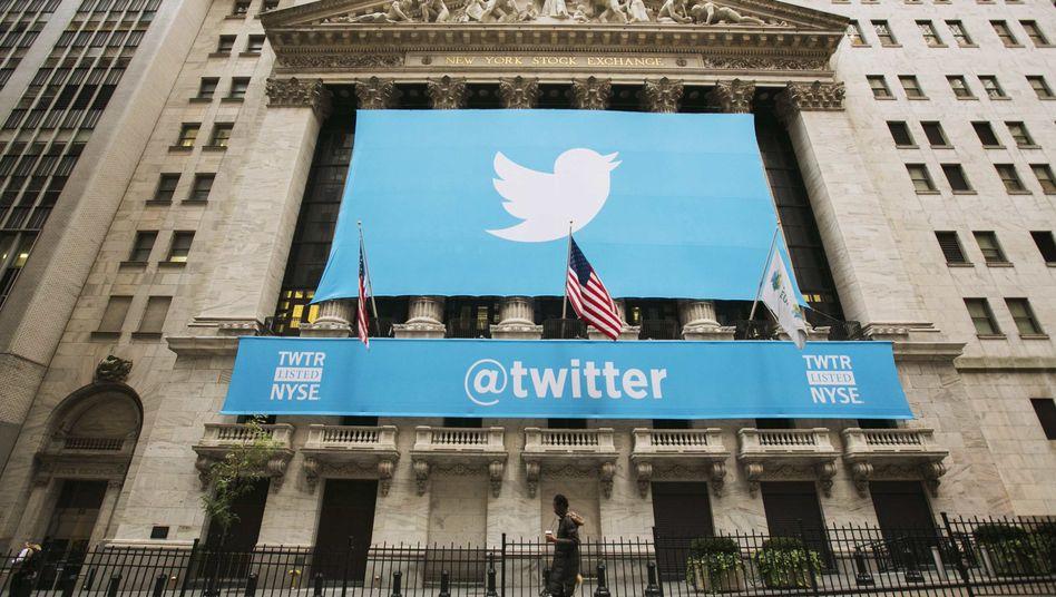Twitter-Banner an der New Yorker Börse: Die Firma verklagt die US-Regierung