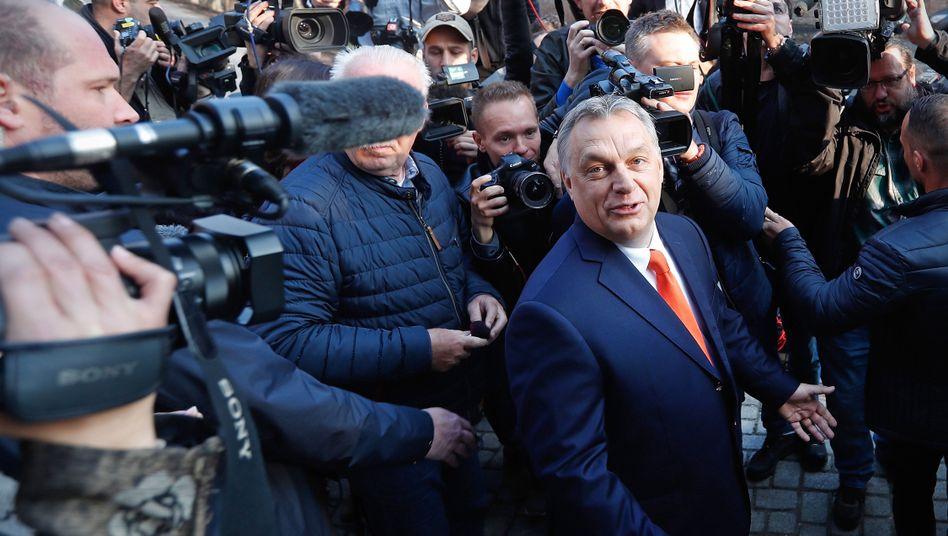 Viktor Orbán mit Journalisten