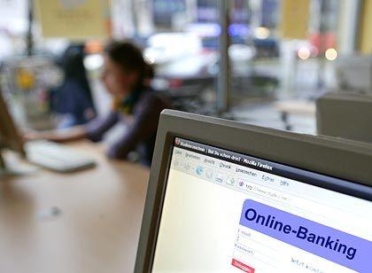 Online-Banking im Internetcafé: Lieber nicht, denn Miet-PCs sind oft schlecht gegen Lauscher geschützt