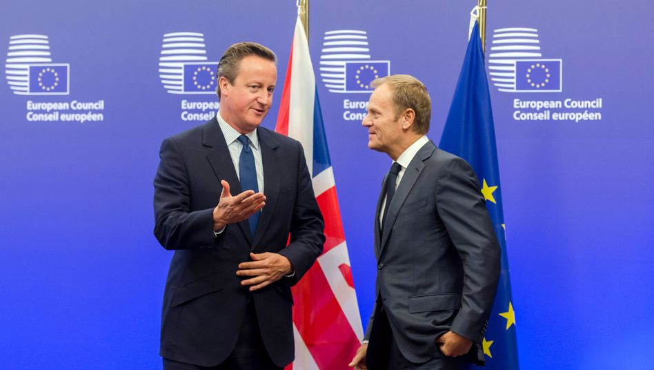 Cameron (l.) und Tusk: Etappensieg für den Briten