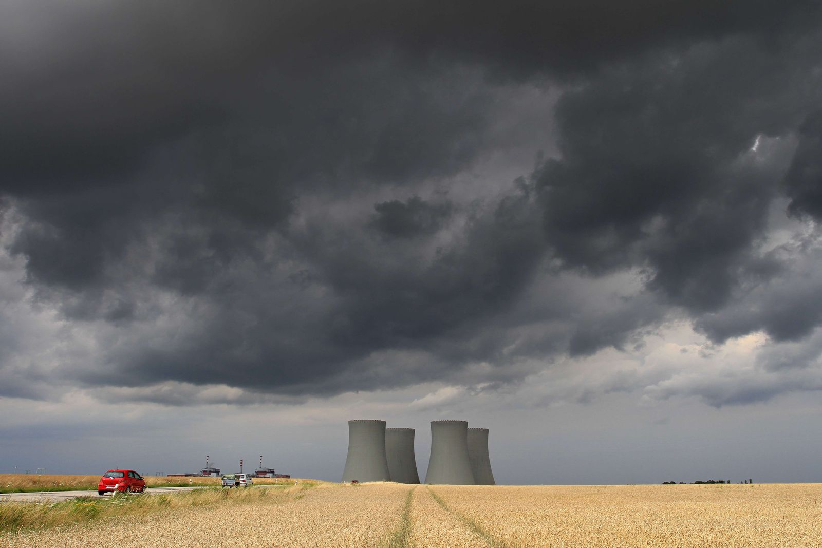 NUCLEAR UK CONTROVERSY
