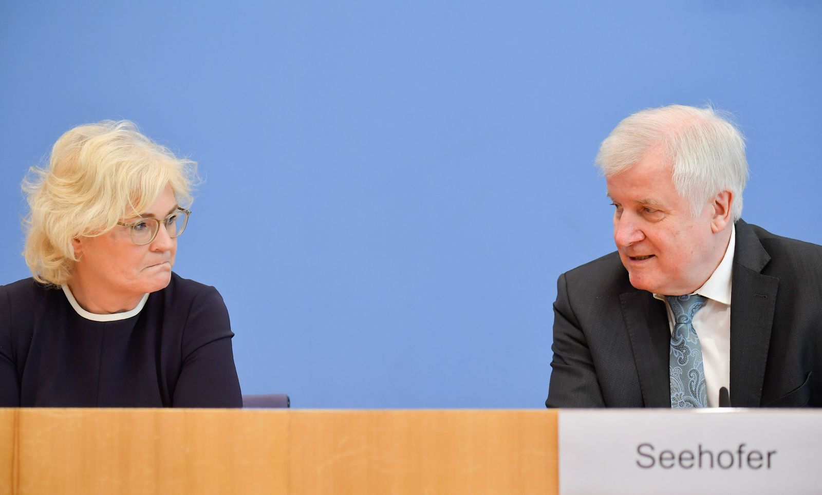 GERMANY-POLITICS-GOVERNMENT-SECURITY-EXTREMISM