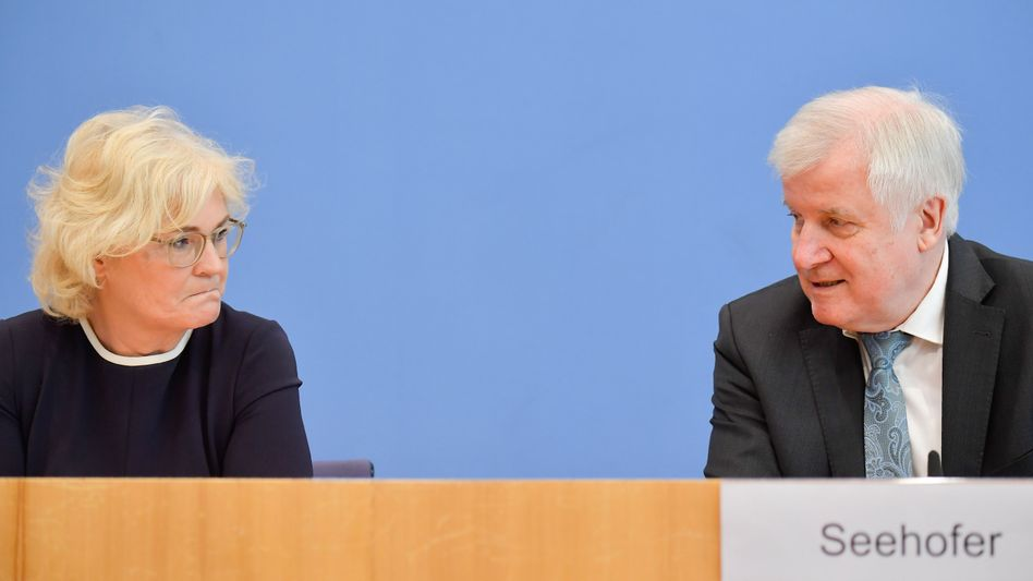 Justizministerin Christine Lambrecht (SPD) und Innenminister Horst Seehofer (CSU)