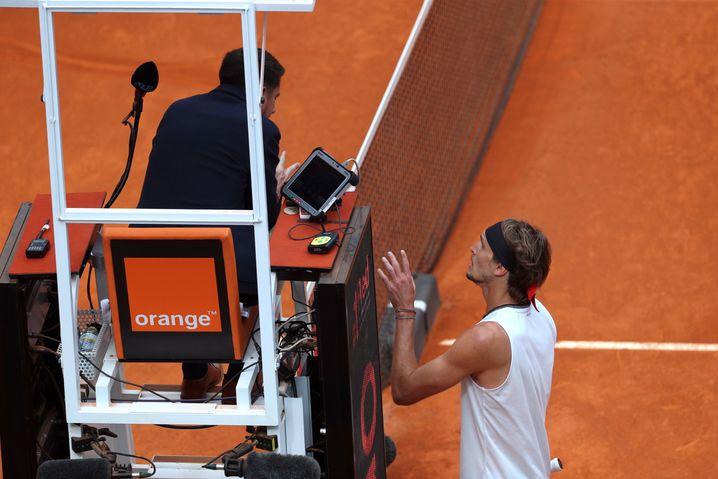 Diskussionen mit dem Stuhlschiedsrichter: Trotz seiner starken Leistung war Zverev nicht immer zufrieden
