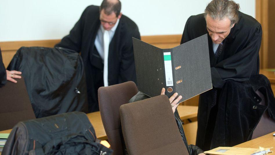 Anklagebank im Landgericht in Hagen (Archivbild): Urteil im Fall Iptehal A.
