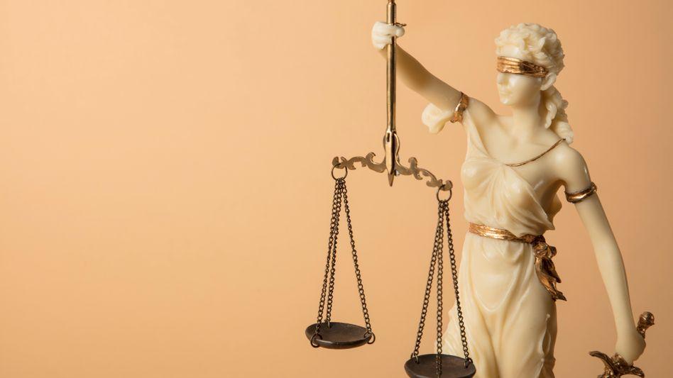 Justitia, das beliebteste Symbolbild eines jeden Textes zu Rechtsfragen