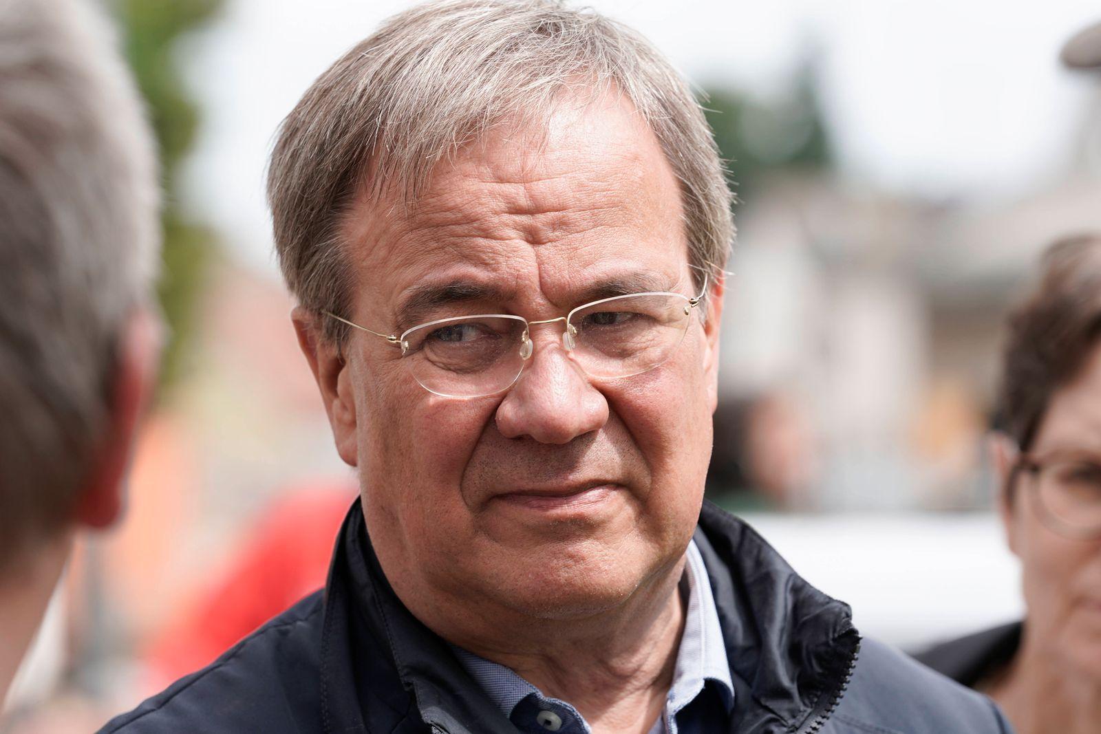 Ministerpraesident von NRW Armin Laschet besucht die vom Unwetter betroffenen Orte Swisttal Aktuell, 02.08.2021, Swistta