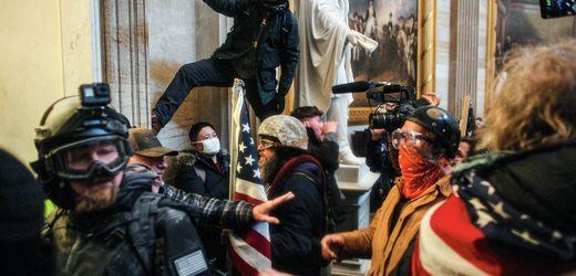 Twitter, Facebook & Co.: Was hilft gegen den Mob im Netz?