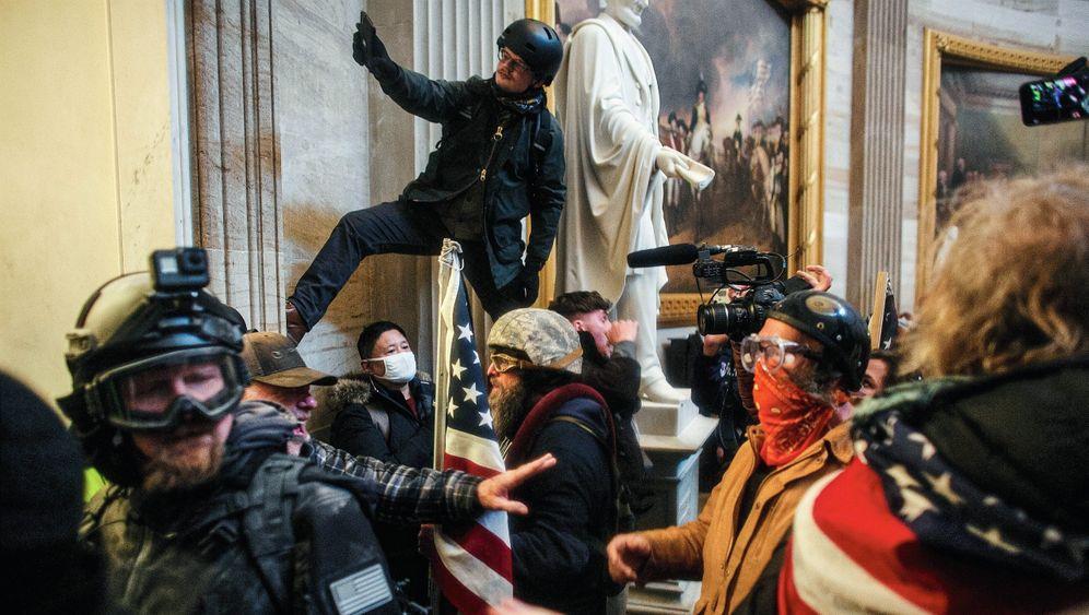 Pro-Trump-Horden im US-Kapitol am 6. Januar:Rauschhafte Selbstbespiegelung