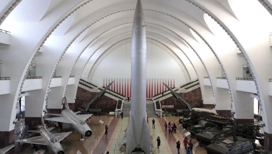 Chinesische Rakete (in Militärmuseum): Waffentest markiert Kurswechsel
