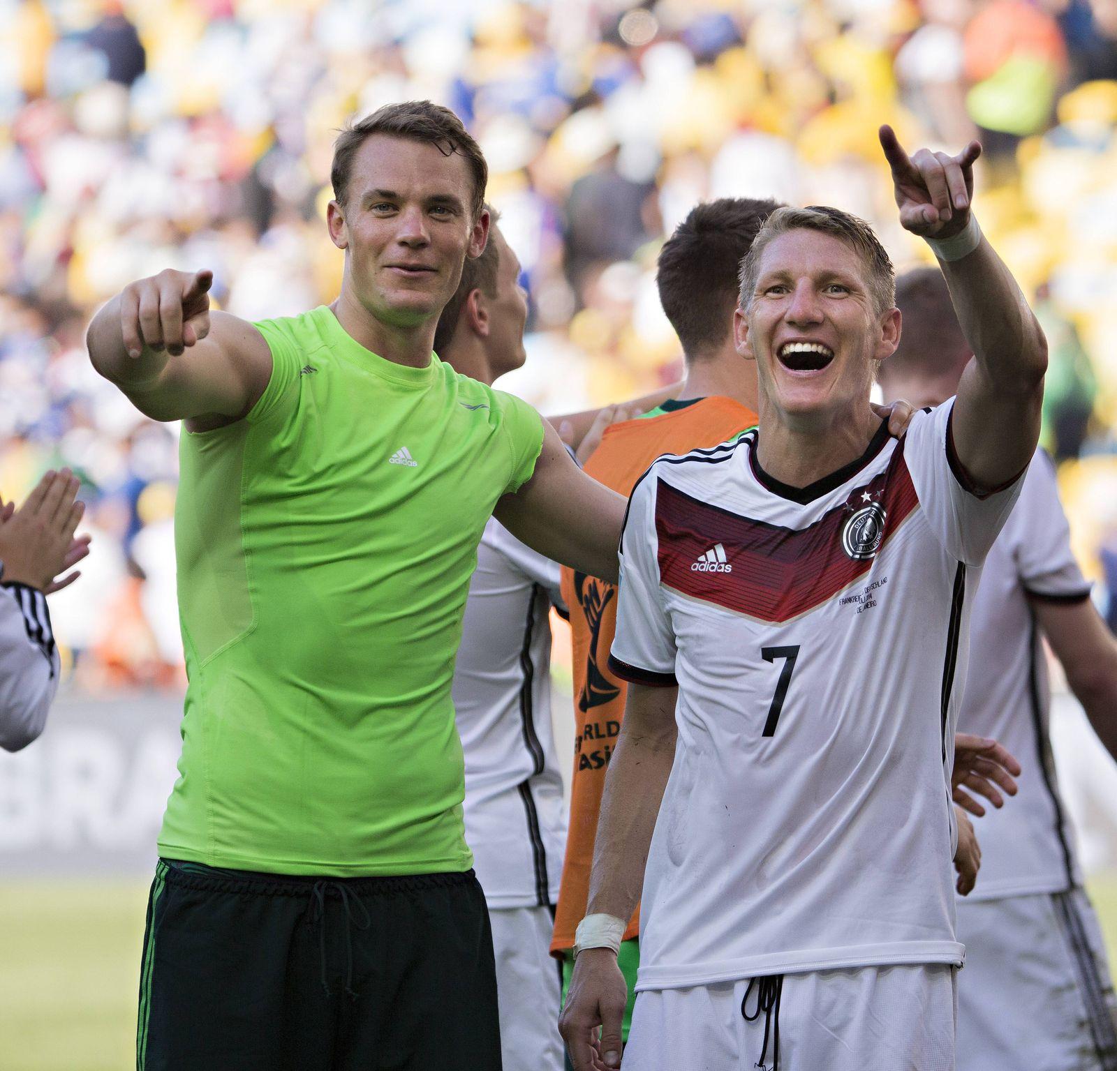 EINMALIGE VERWENDUNG Manuel Neuer/ Bastian Schweinsteiger