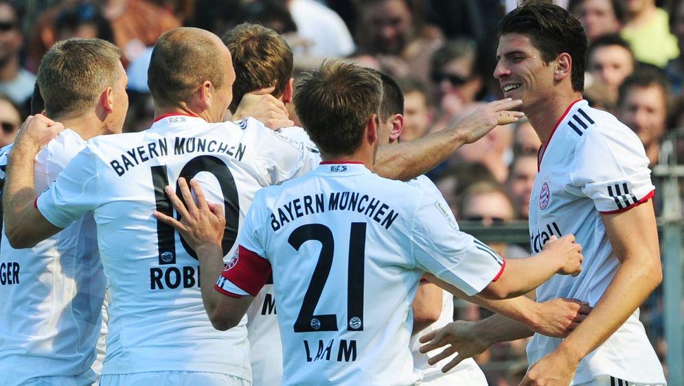 33. Spieltag: Bayern blamieren St. Pauli, Hanke wird zum Held