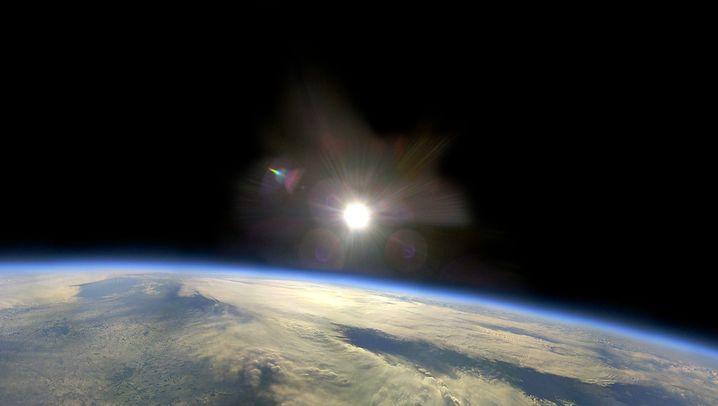 Stratosphärenflug: Mit Helium hoch hinaus