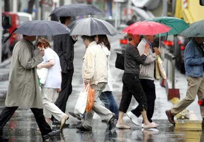 Pfingsten mit Regenschirm: Meteorologen sagen Hagel und Stürme voraus