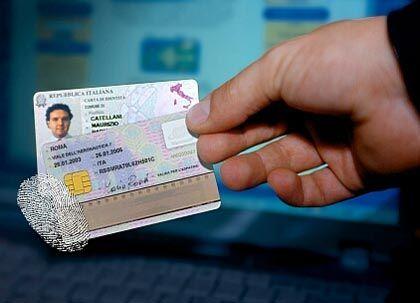 Elektronischer Personalausweis (hier ein Entwurf von Siemens): Transparente Bürger?