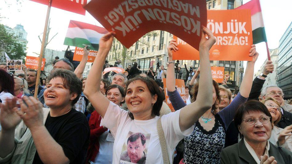 """Fidesz-Anhänger in Budapest: """"Ein System der Zusammenarbeit begründet"""""""