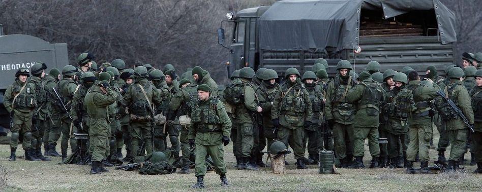Russische Truppen südlich von Simferopol: »Militärisch ist die Krim verloren«
