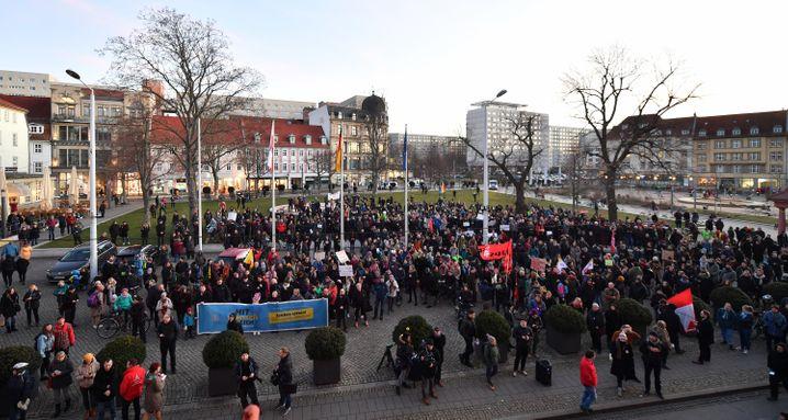 Spontandemo vor der Staatskanzlei in Erfurt