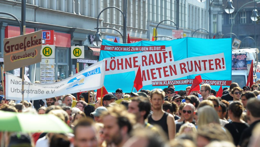 Photo Gallery: Berliners Protest Rent Hikes