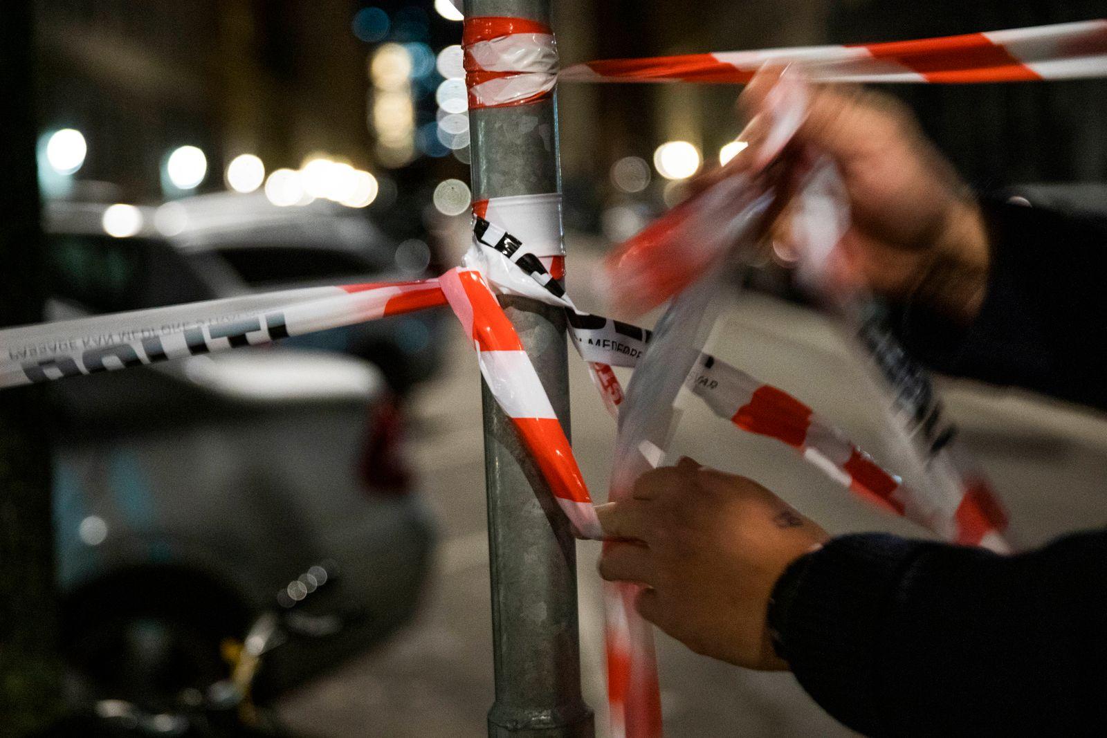 Politi i gaderne omkring Ole Suhrs Gade i Koebenhavn mandag den 2. november 2020. Som en praeventiv sikkerhedsforanstal